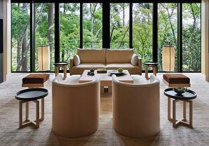 庭全体の美しい自然と雄大な比叡山を高台から見渡せる、静寂な空間をご提供