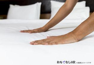 最上階から姫路城を一望するチャペルでホテルウェディングを