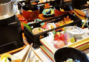 9室の宴会場や食事処を備え房総半島の食材を使用した料理を提供